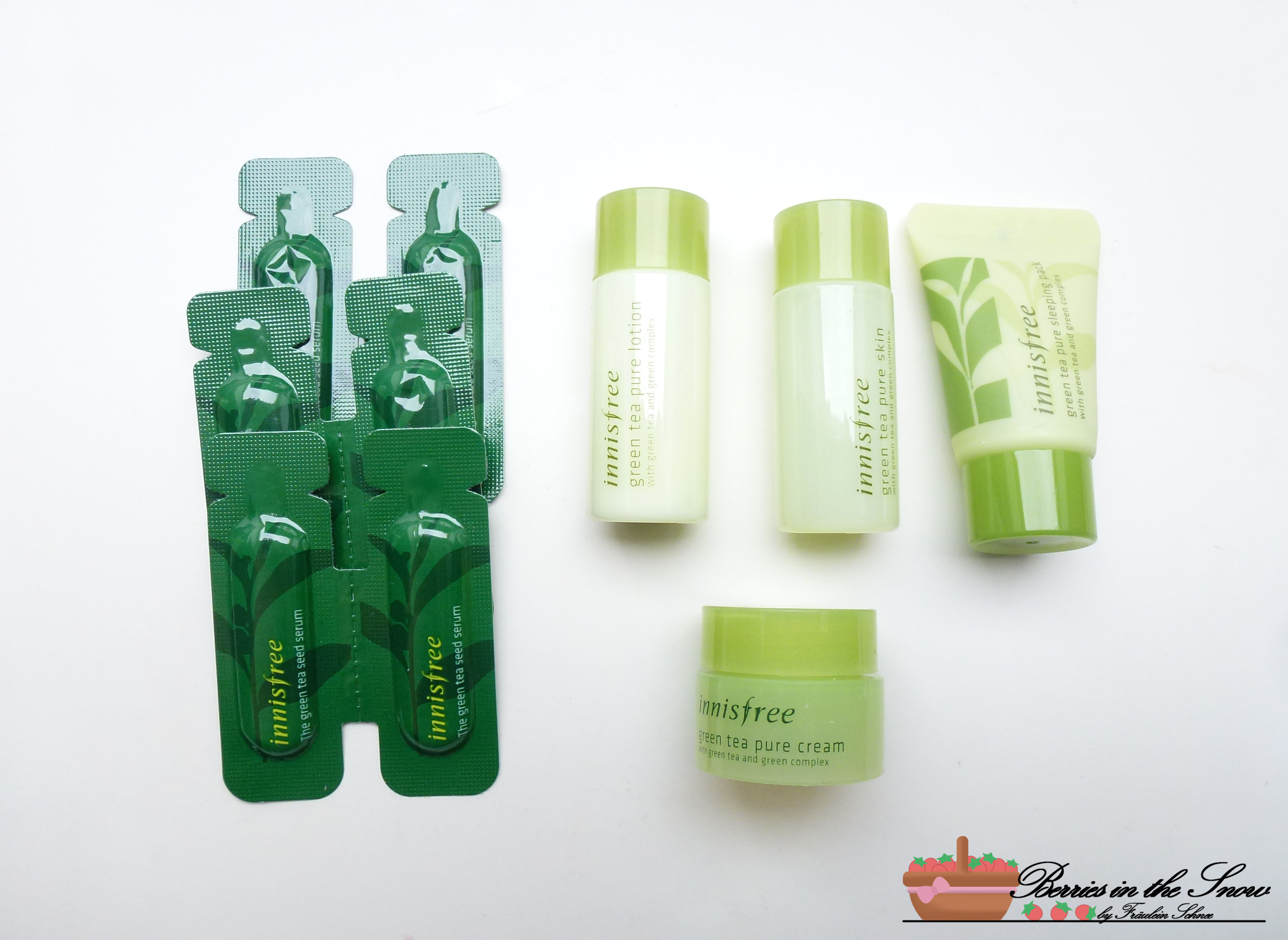 Review: Innisfree Green Tea Pure Deluxe Kit - Berries In The Snow